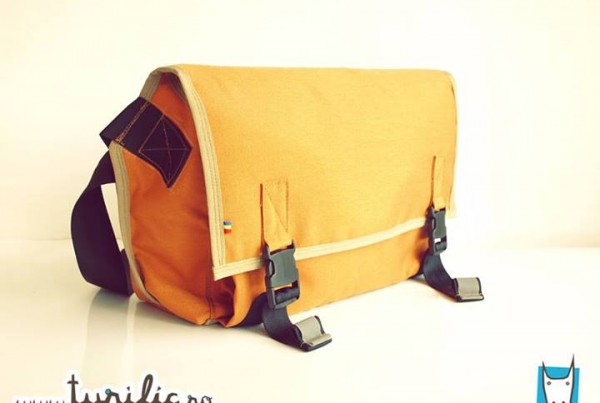 small messenger bag - padded and water resistant